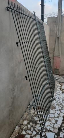 Portão e grade de ferro - Foto 3