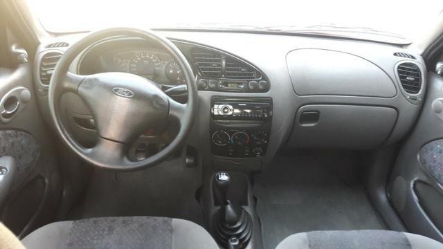 Fiesta hatch 1.0 4 portas completo paticular - Foto 3