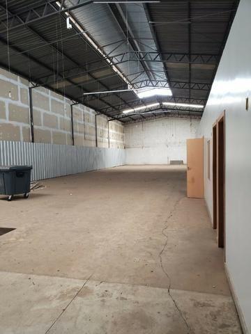 Alugo Galpão com área total de 1.200,00 m2, St. Vila Rosa na Av. Rio Verde - Foto 17