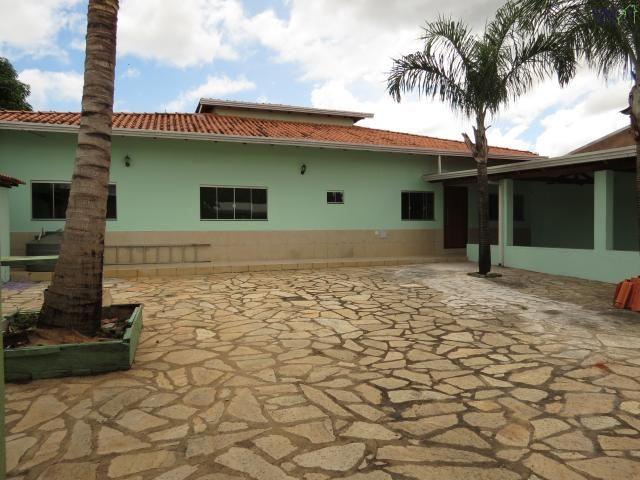 Casa a venda no condomínio morada da serra / 03 quartos / setor de mansões / churrasqueira