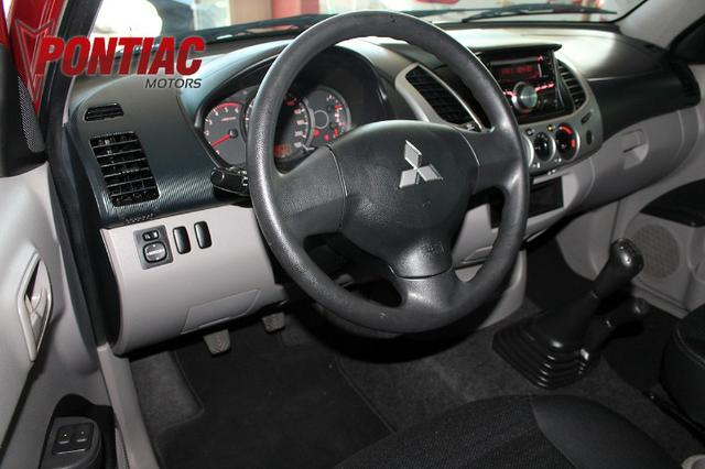 Mitsubishi L200 Triton 3.2 Glx Diesel 2017 - Foto 7