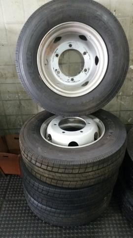 Vendo quatro pneus novos com rodas do acello - Foto 8