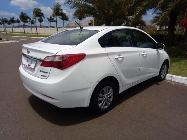 Hyundai HB20S Comfort Plus 1.6 flex Aut. Branco 2015 - Foto 8