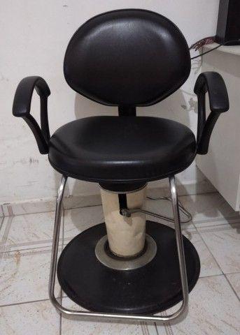 Banco de espera e cadeira de cabeleireiro  - Foto 2