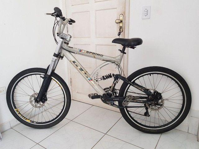 Bicicleta de Aluminio Profissional Aro 26 - Foto 2