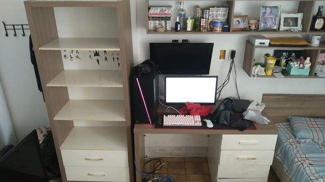 Conjunto de armário e mesa