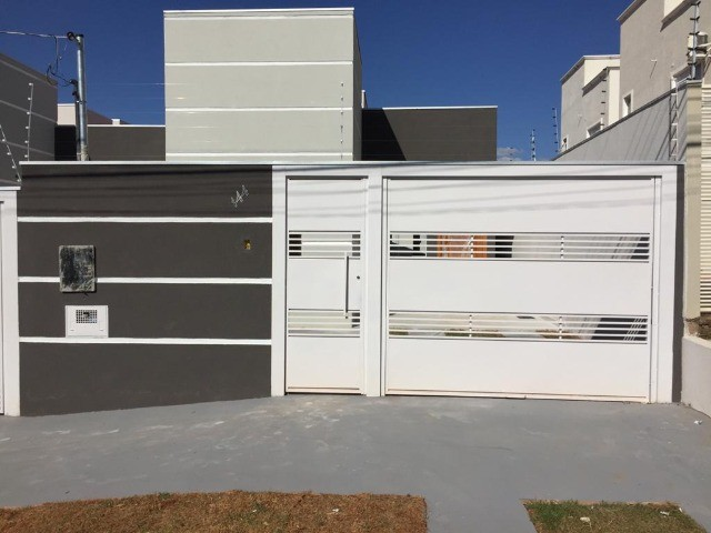 Linda Casa Jardim Montevidéu com 3 Quartos**Venda**