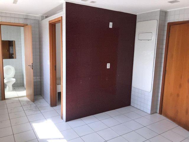 Apartamento com 107m², Sendo 3 Quartos, 1 Suíte, 2 Vagas No primeiro Jardim de Boa Viagem - Foto 16