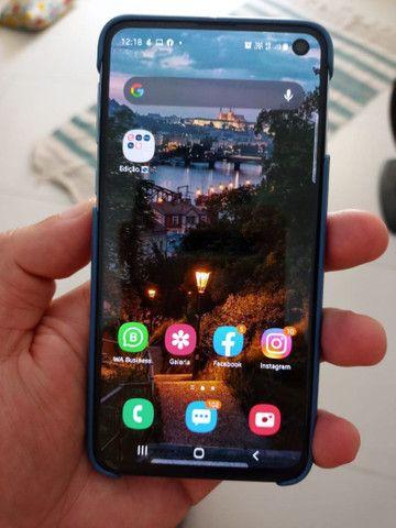 Troco por Ipad, iphone 7 ou plus - S10e 128gb com 5 meses de uso na caixa e completo