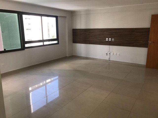 Apartamento com 107m², Sendo 3 Quartos, 1 Suíte, 2 Vagas No primeiro Jardim de Boa Viagem - Foto 10