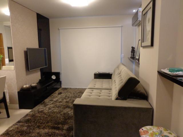 Imperdível!!! Apartamento de 2 dormitórios no Centro de Carlos Barbosa - estado de novo