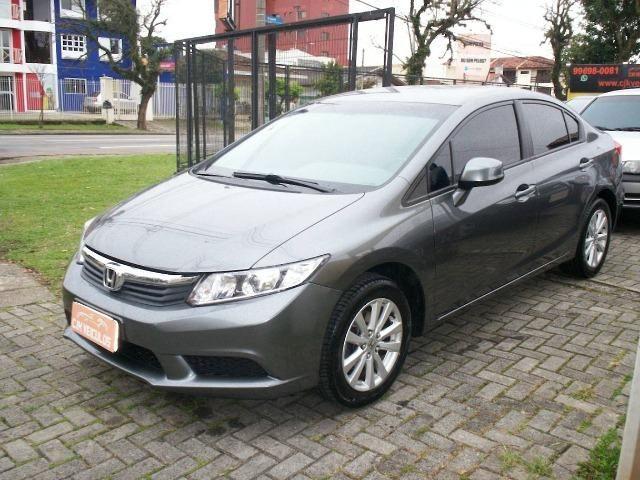Honda Civic LXS 1.8 Automático Flex
