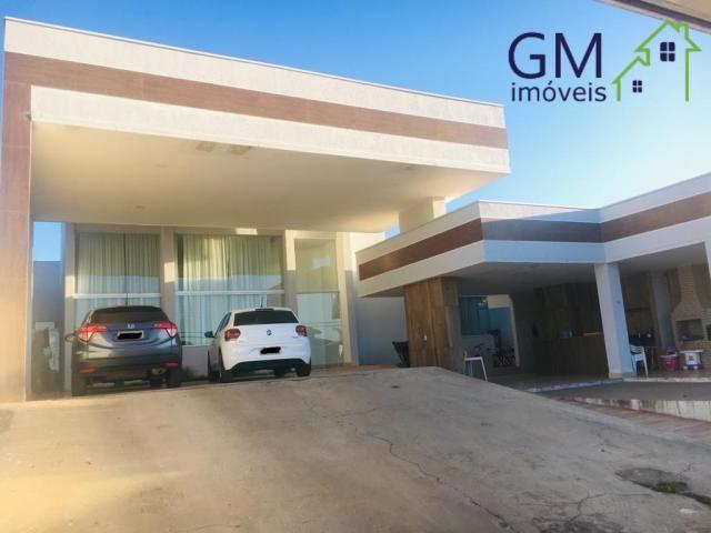 Casa a venda / condomínio rk / 03 quartos / churrasqueira / piscina / aceita casa de menor
