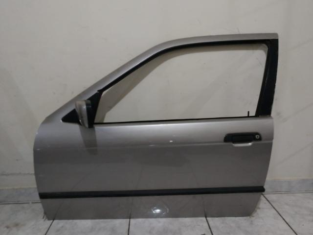 Porta dianteira esquerda BMW série 3 92 a 98