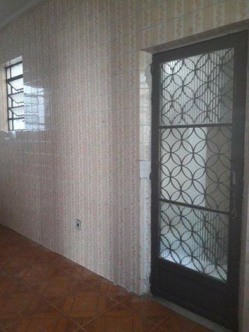 Casa 100% Independente na Vila da Penha, 02 Quartos, Quintal, Garagem etc. - Foto 3
