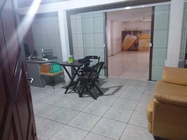 Depósito com escritório, cozinha, garagem e banheiro - Foto 13