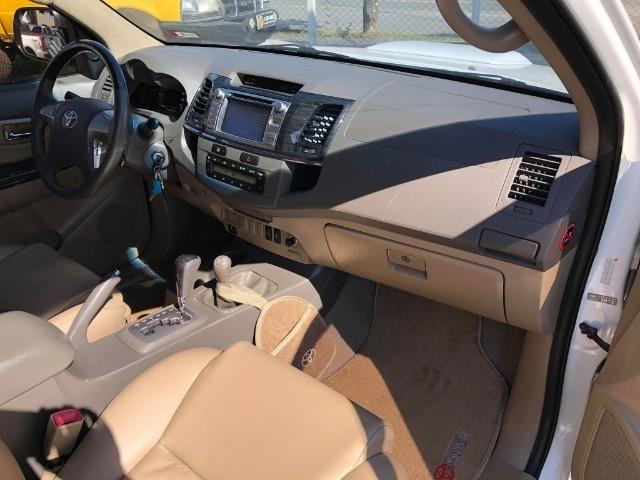 Toyota Hilux Sw4 Srv 3.0 4x4 Automática 7 Lugares - Foto 11