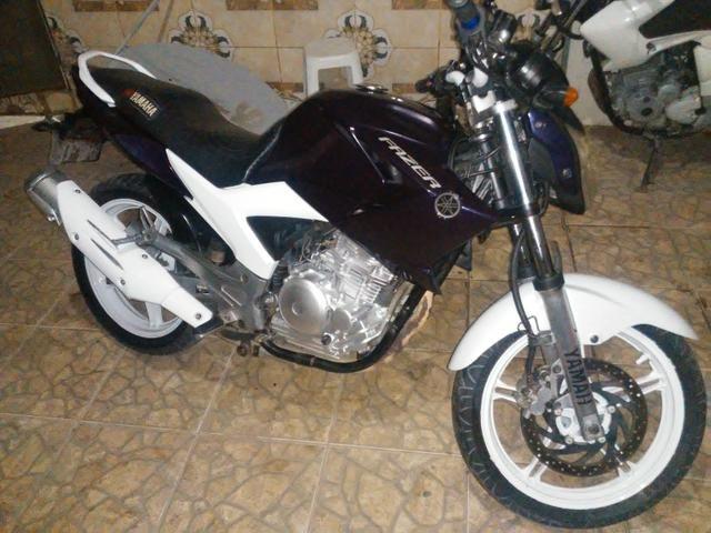 Vendo uma moto feize top de linha toda legalizada so no ppnto de transferi - Foto 2