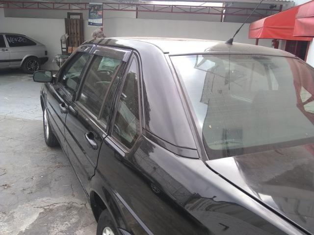 Volkswagen santana confortline, 4 portas, cor preto, completo, alcool e gnv - Foto 6