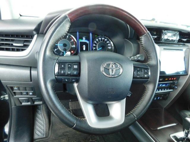 Toyota Hilux SW4 SRV 2.8 Diesel - Foto 11