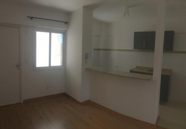 Para investidores, apartamento novo com armário na cozinha e garagem, 4º andar com elevado - Foto 2