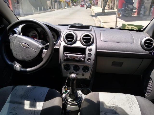 Fiesta Hatch 1.0 2008 Completo ! Conservado é ele! 9  * ZAP - Foto 5