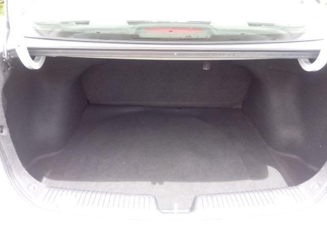 Hyundai HB20S Comfort Plus 1.6 flex Aut. Branco 2015 - Foto 12