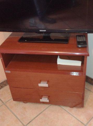 Vendo tv e movel os dois por 500