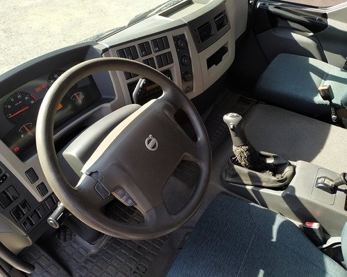 Vendo Volvo VM 270 carroceria 2012  - Foto 5