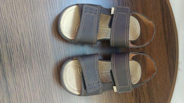 Vendo sandálias semi novas  - Foto 4