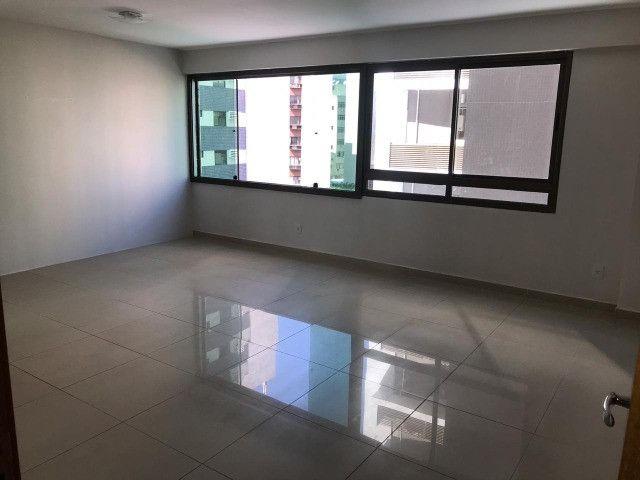 Apartamento com 107m², Sendo 3 Quartos, 1 Suíte, 2 Vagas No primeiro Jardim de Boa Viagem - Foto 8