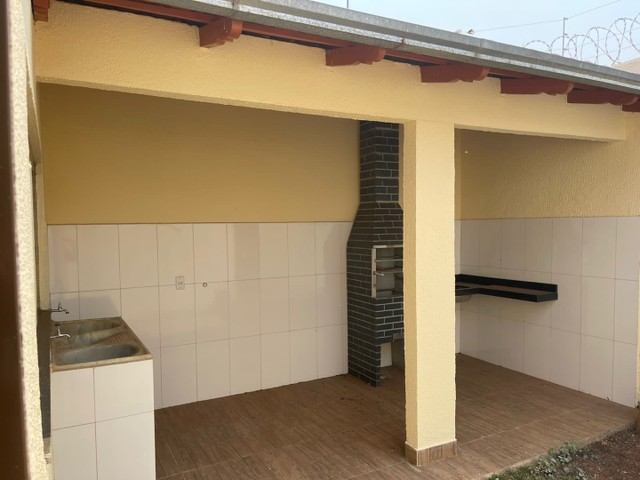 Vendo/troco casa anapolis 3/4 1 ste bairro teresinha braga - Foto 2