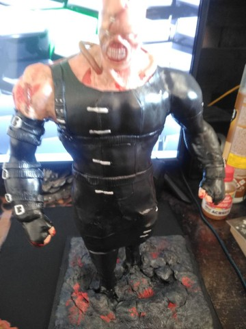 Esculturas The Last of Us e Resident Evil - Foto 2
