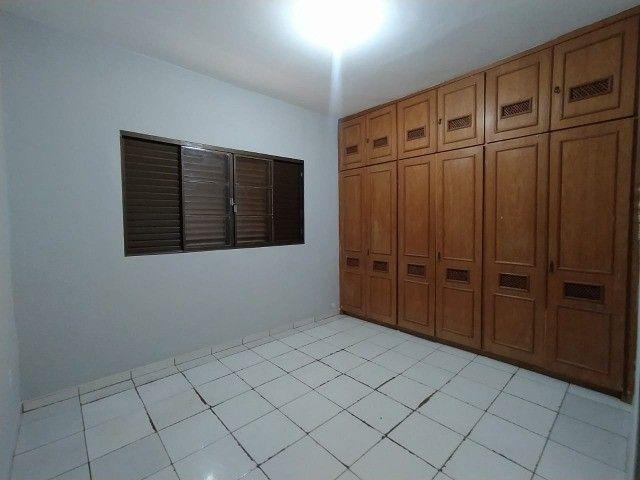 Linda Casa Amambai Próxima do Centro com 4 Quartos**Venda** - Foto 11