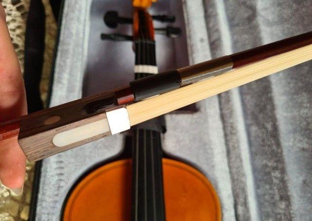 Violino Barth 4/4 com caixa e suporte de violino. - Foto 2