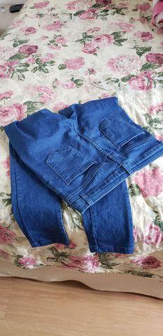 Calça jeans feminina número 38  ( veste 40 ) - Foto 3