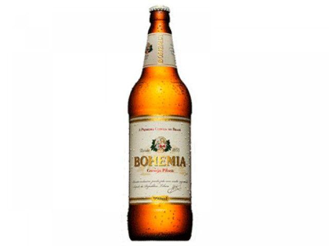 Vende -se Garrafa de Cerveja de 990 ml Boemia de vidro.