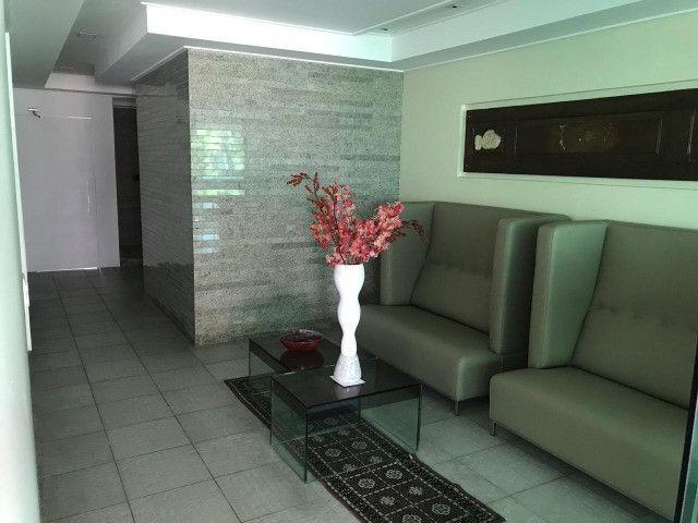Apartamento com 107m², Sendo 3 Quartos, 1 Suíte, 2 Vagas No primeiro Jardim de Boa Viagem - Foto 12