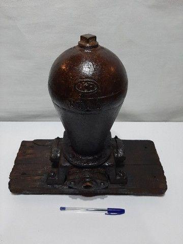 Bomba da agua antiga - Foto 2