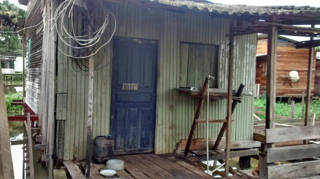 Vende-se,troca-se ou negócia-se uma casa