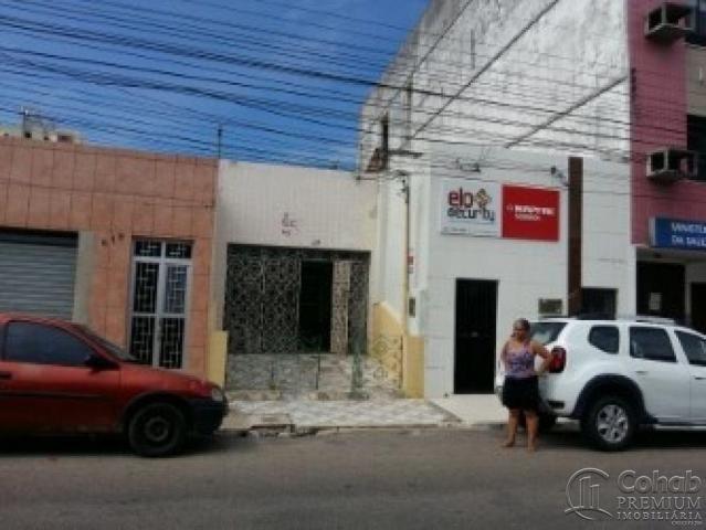 Casa no centro; prox lotérica da rua arauá - Foto 14