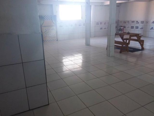 Depósito com escritório, cozinha, garagem e banheiro - Foto 3