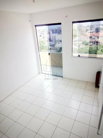 Apartamento Amplo, Financiável, 2/4 (1 Suíte), Condomínio, Garagem; Itapuã-HP022 - Foto 5