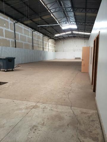 Alugo Galpão com área total de 1.200,00 m2, St. Vila Rosa na Av. Rio Verde - Foto 16