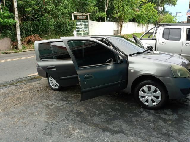 Clio Sedan authentic 1.0 - Foto 2