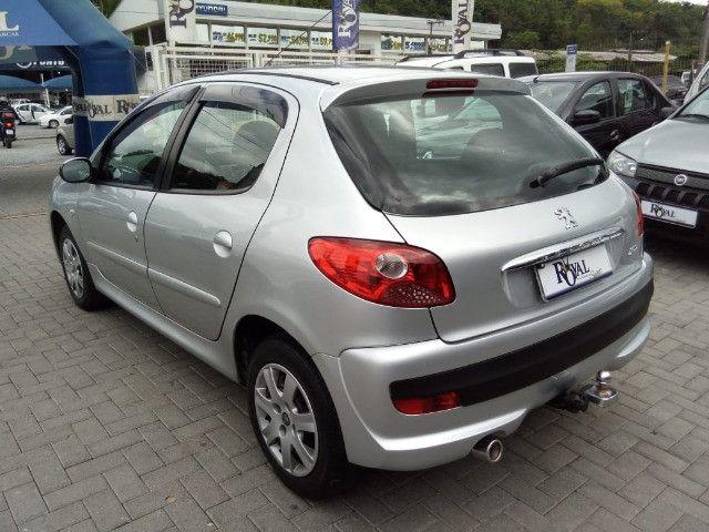 Peugeot 207 XR 1.4 Flex 2010 - Foto 6
