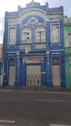 Primeiro Andar do prédio 172, mede 300m Rua. Maciel Pinheiro centro Varadouro
