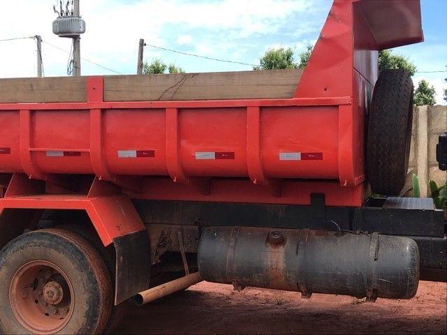 Caminhão caçamba 1113 pronto para negócio  - Foto 4