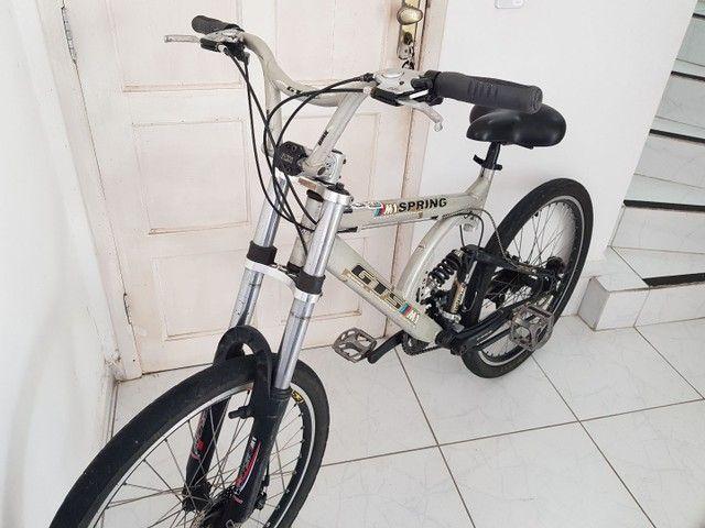 Bicicleta de Aluminio Profissional Aro 26 - Foto 4