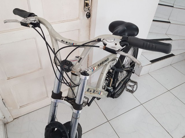 Bicicleta de Aluminio Profissional Aro 26 - Foto 5